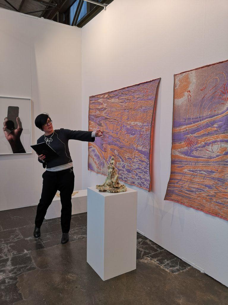 (c) Art Consulting Mese -Agnieszka Mese, Führung auf der Kunstmesse ART