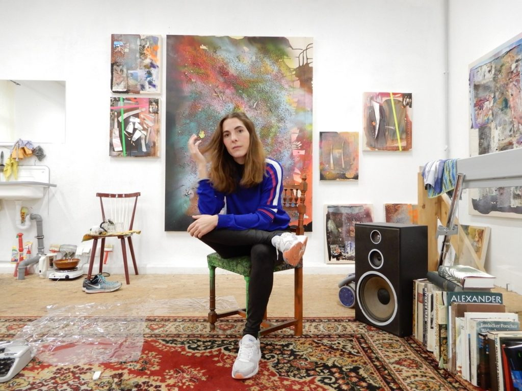 (c) Silke Albrecht, Künstlerin Silke Albrecht in ihrem Atelier in Düsseldorf Flingern-Nord