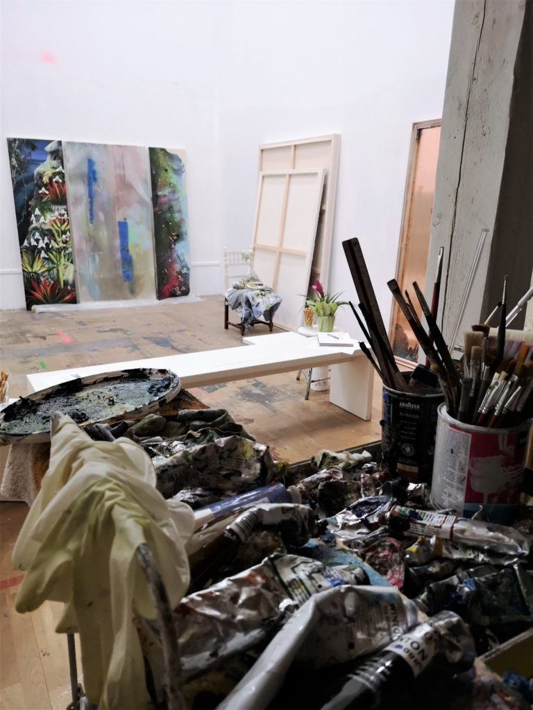 (c) ArtConsultingMese_FrauenArtFebruar2020_AtelierSilkeAlbrecht_Blick_vomLager_aus