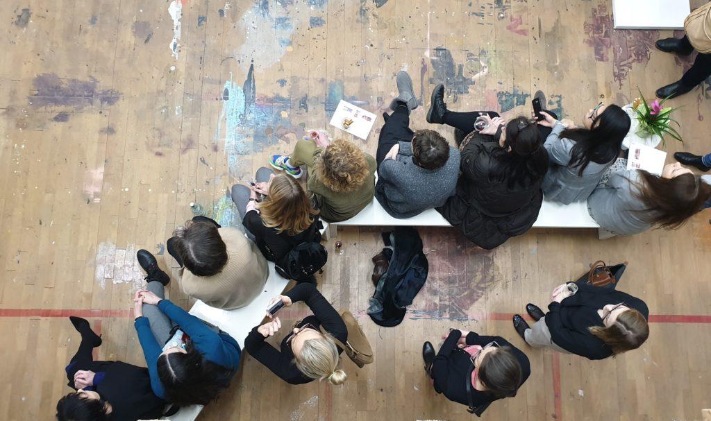 (c) Art Consulting Mese, Blick von der Empore/Galerie bei der FrauenArt im Februar 2020